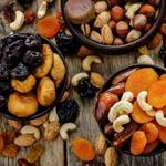 Сухофрукты,орешки
