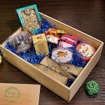 """Подарочный набор в деревянном ящике """"Ассорти"""""""