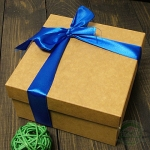 Картонная подарочная коробка Классик